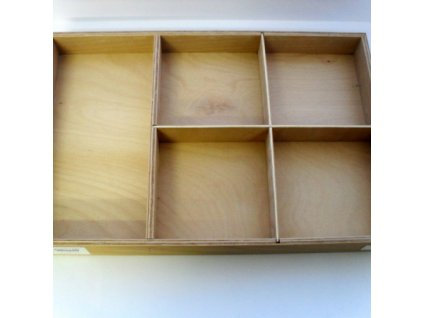 Krabice s pěti přihrádkami