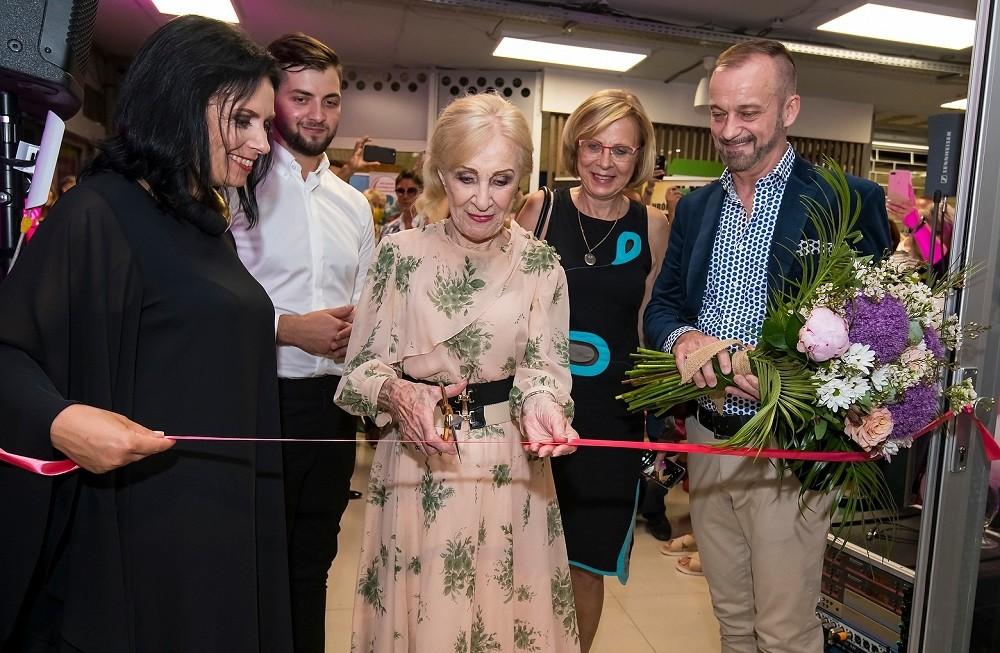 Novú predajňu módneho domu Lombardi Fashion House pokrstila legenda Marína Kráľovičová, šéfovi značky ďakovali Mária Čírová, Kali a Juraj Bača!