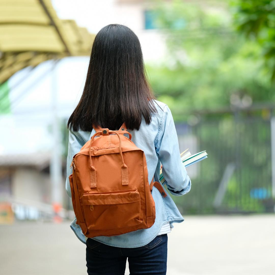 Batoh nebo taška? Myslete hlavně na zdravá záda