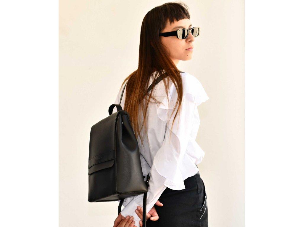 Černý batoh Claudia Canova Tana