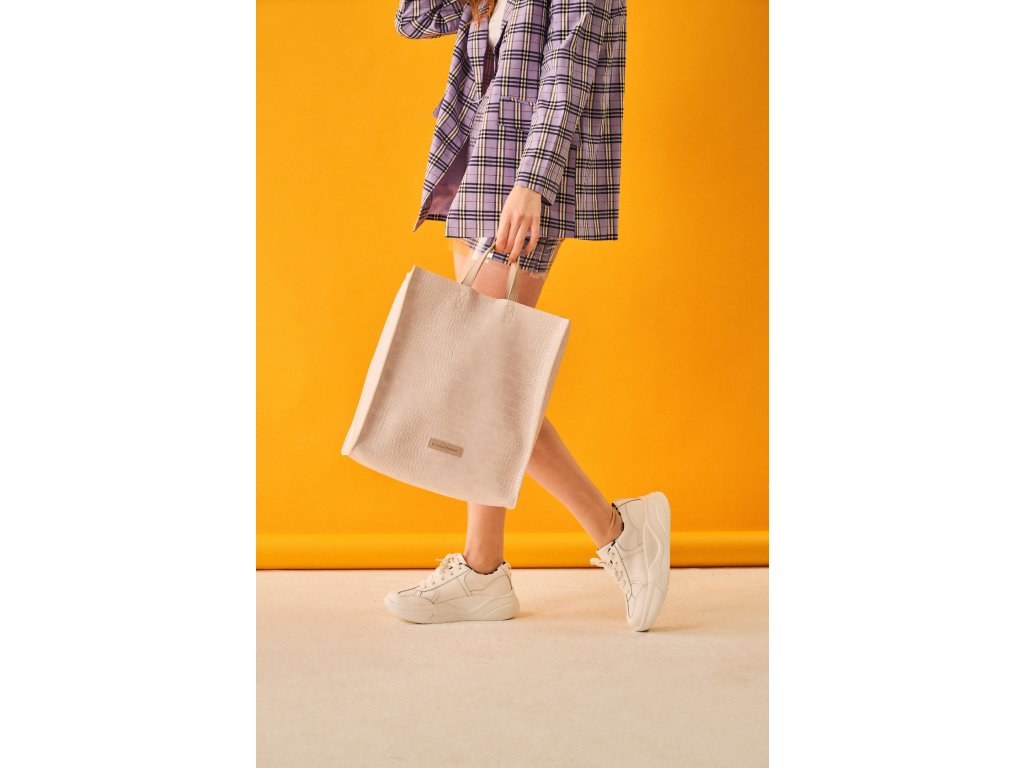 model (84555 offwhite front) 2