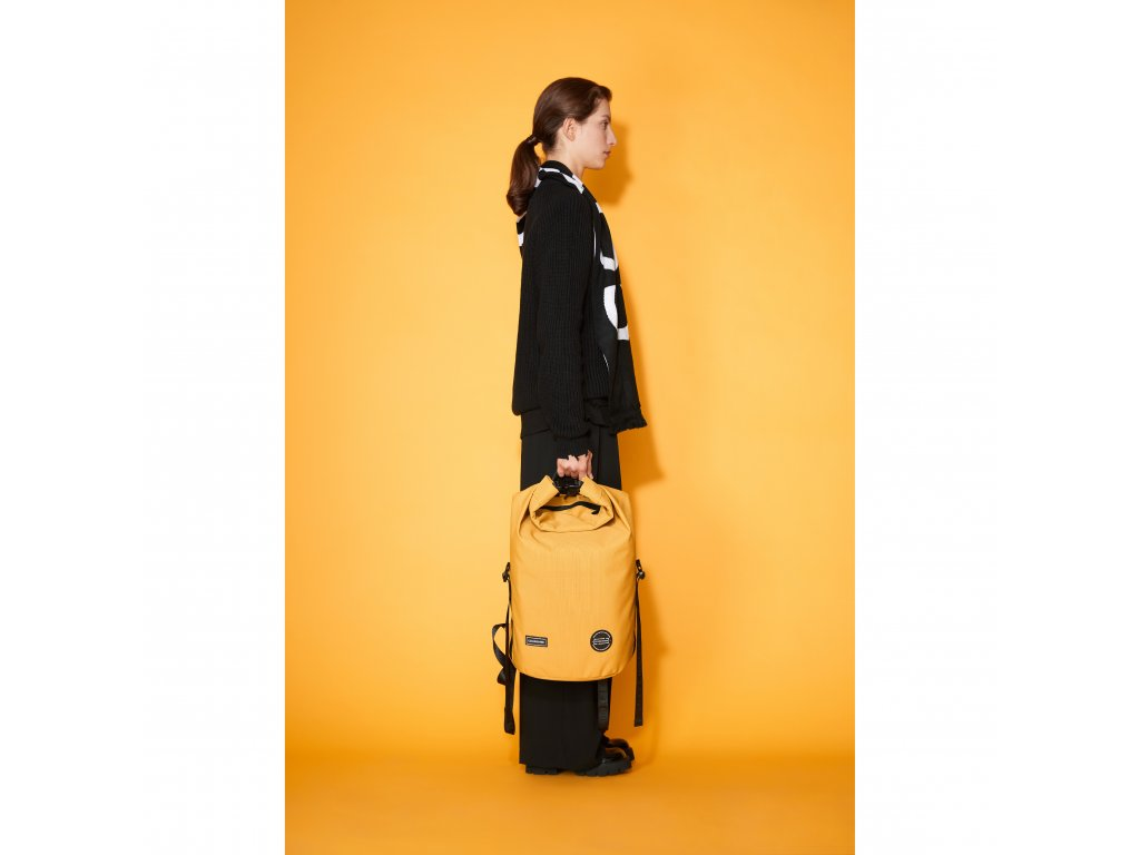 model (50514 mustard front) (50550 black wht side)