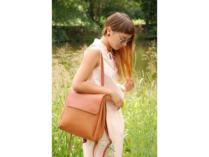 Světle hnědý batoh Claudia Canova Simone