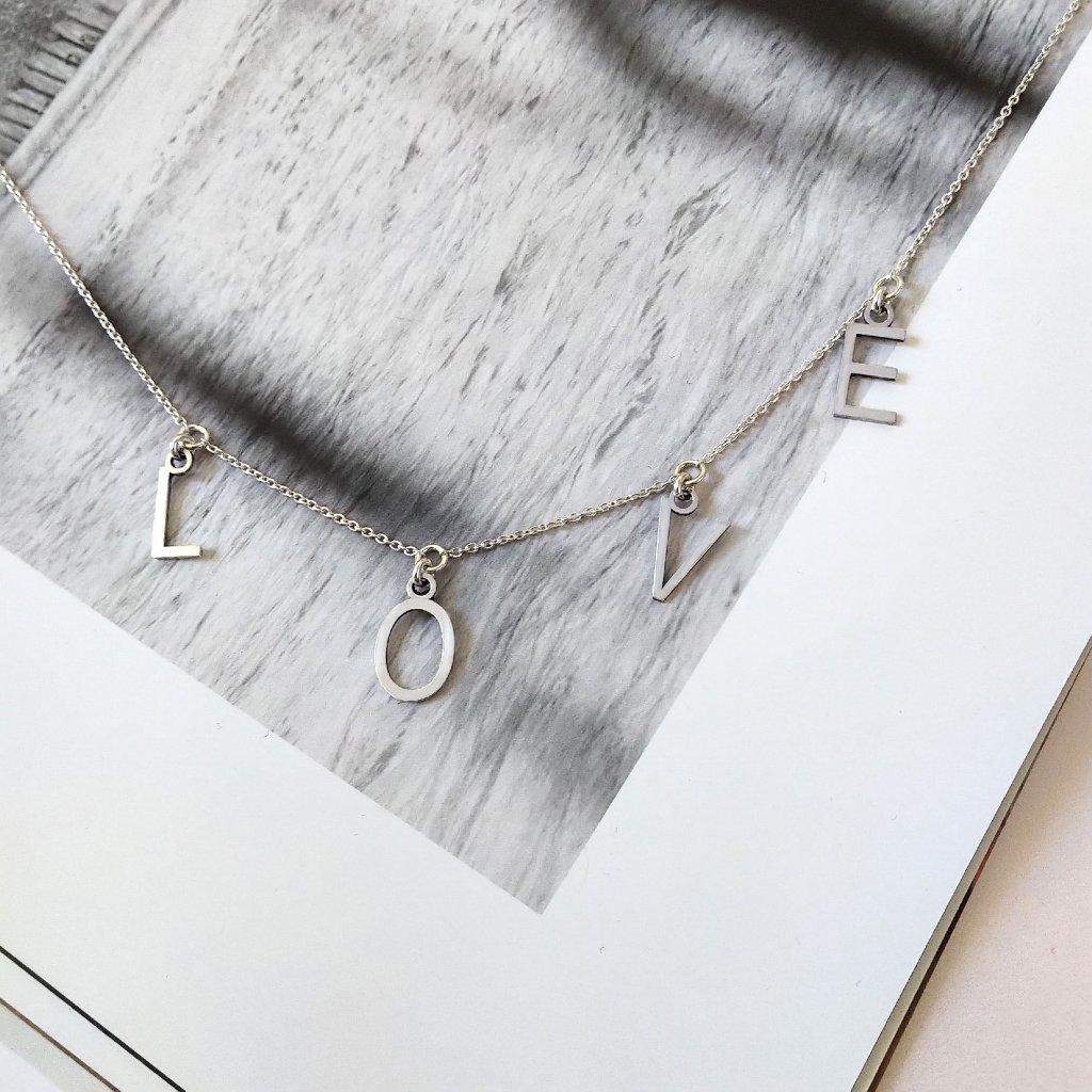 Náhrdelník s písmeny,stříbro,LOOA