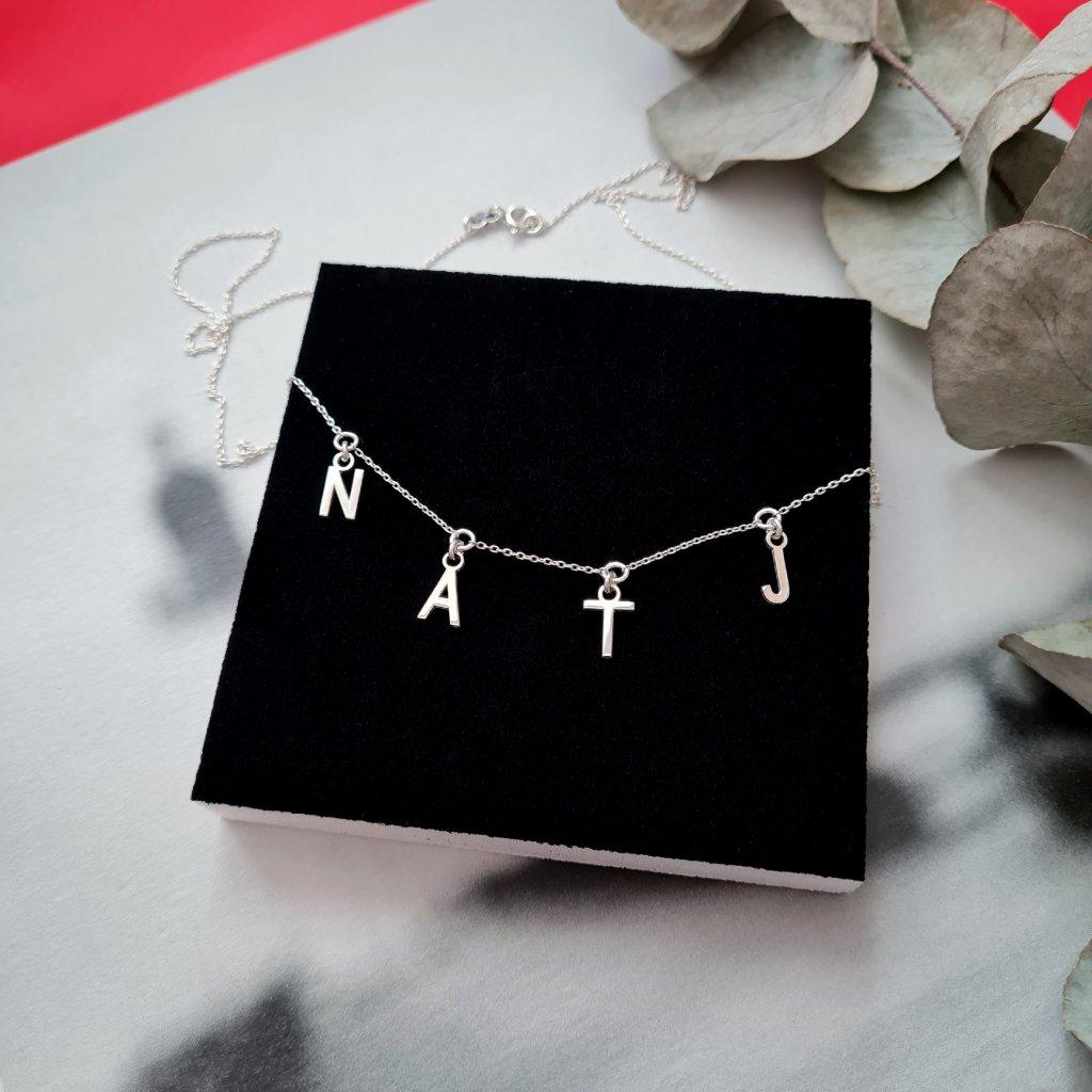 náhrdelník písmena šperky s příběhem looa brno