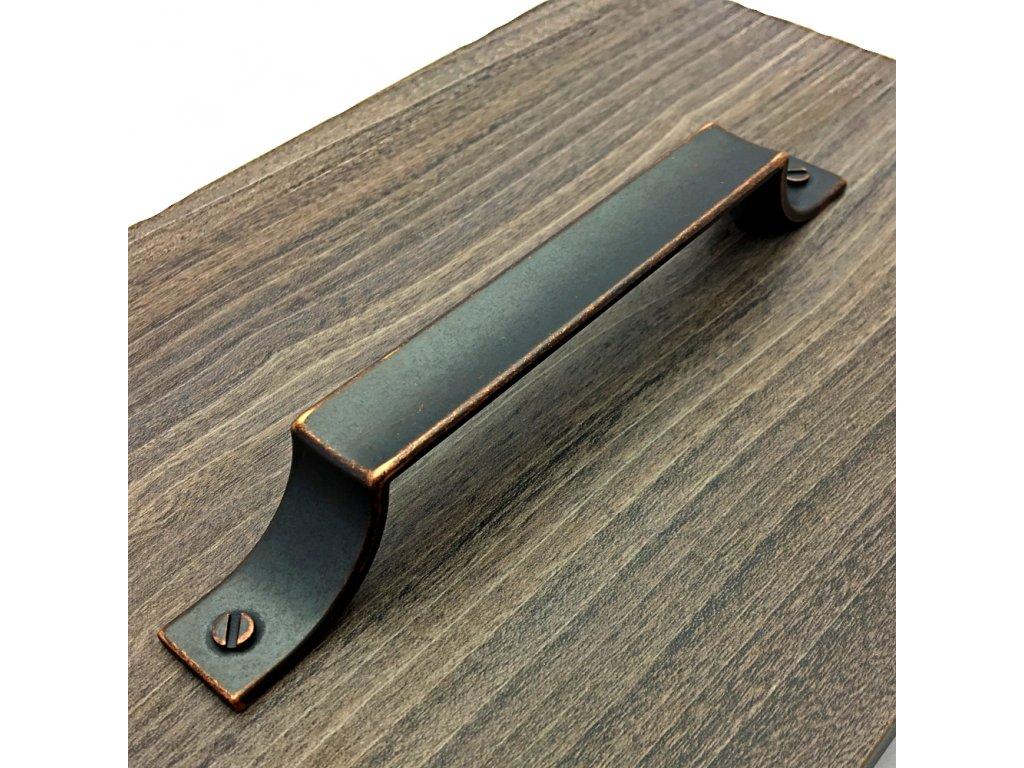 uchytka colino patina med detail 4
