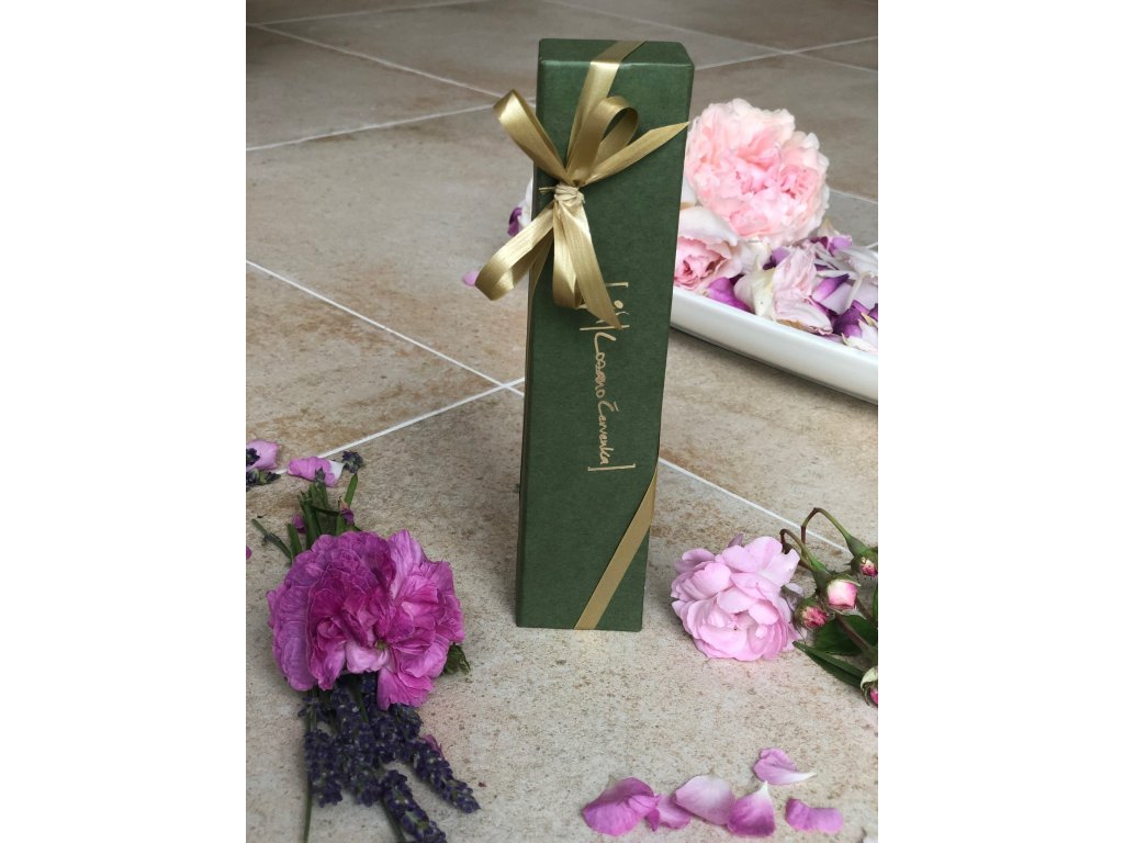 Tělový olej s růží v dárkové krabičce