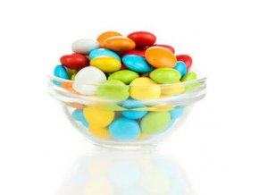 Farebné cukríky s čokoládovou príchuťou