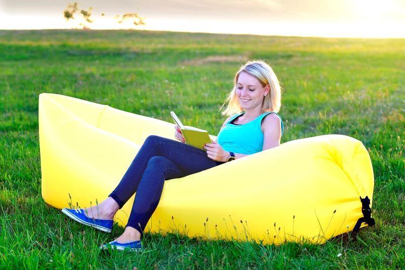 Borka Nafukovací dvouvrstvý vak Lazy bag - žlutý