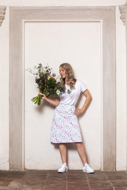 Letní sukně s lučními květy a kapsami