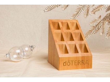 Výstavný drevený stojan Doterra