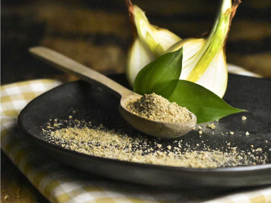 Sůl s cibulí a medvědím česnekem