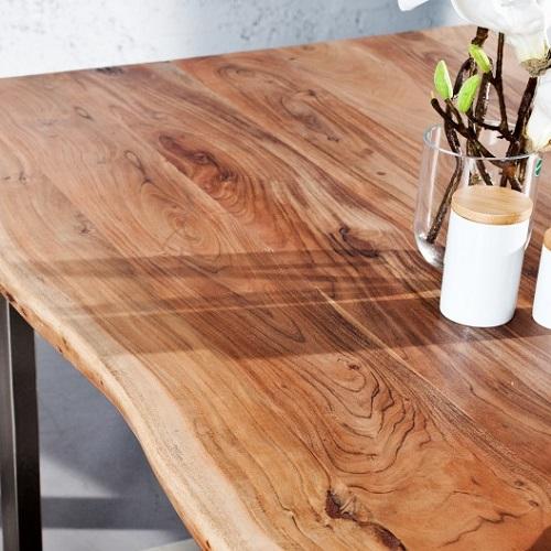 Sháníte nábytek vysoké kvality a za dostupnou cenu? Pak je pro vás nábytek z akátu tou nejlepší volbou