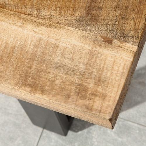 Když kvalitní masiv, tak jedině nábytek z mangového dřeva