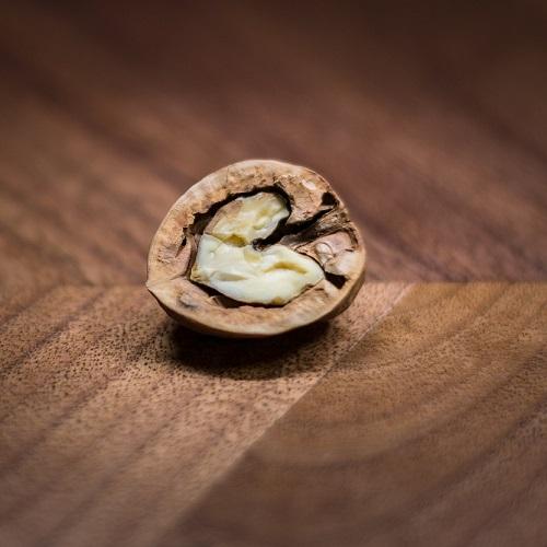 Když kvalitní evropský nábytek, tak jedině z ořechového dřeva