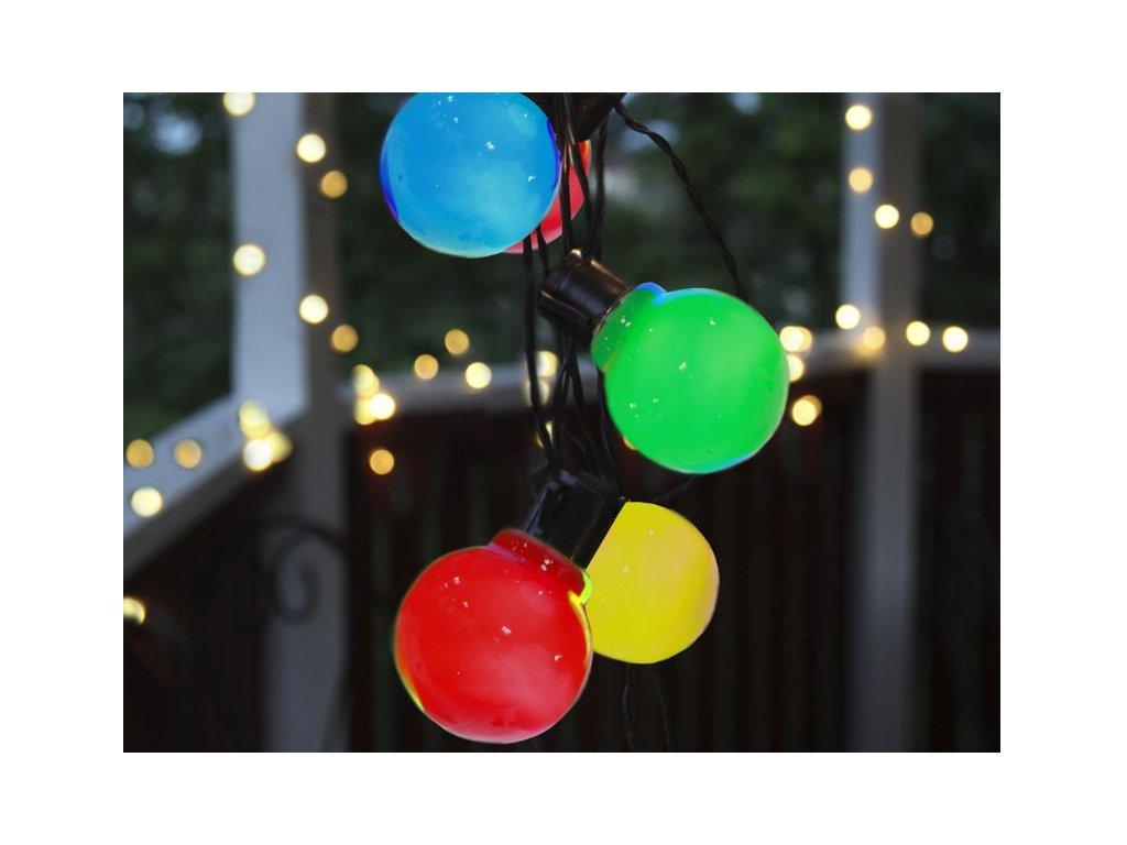 Svetelná reťaz so žiarovkami farebnými