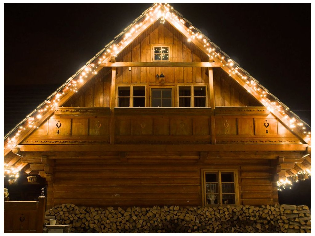 Svetelný cencúl tepla biela biely osvetlenie na dom