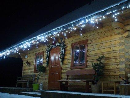 LED svetelné cencúle studená biela