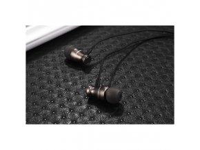 Špuntová sluchátka s magnetickým koncem (Barva Černá)