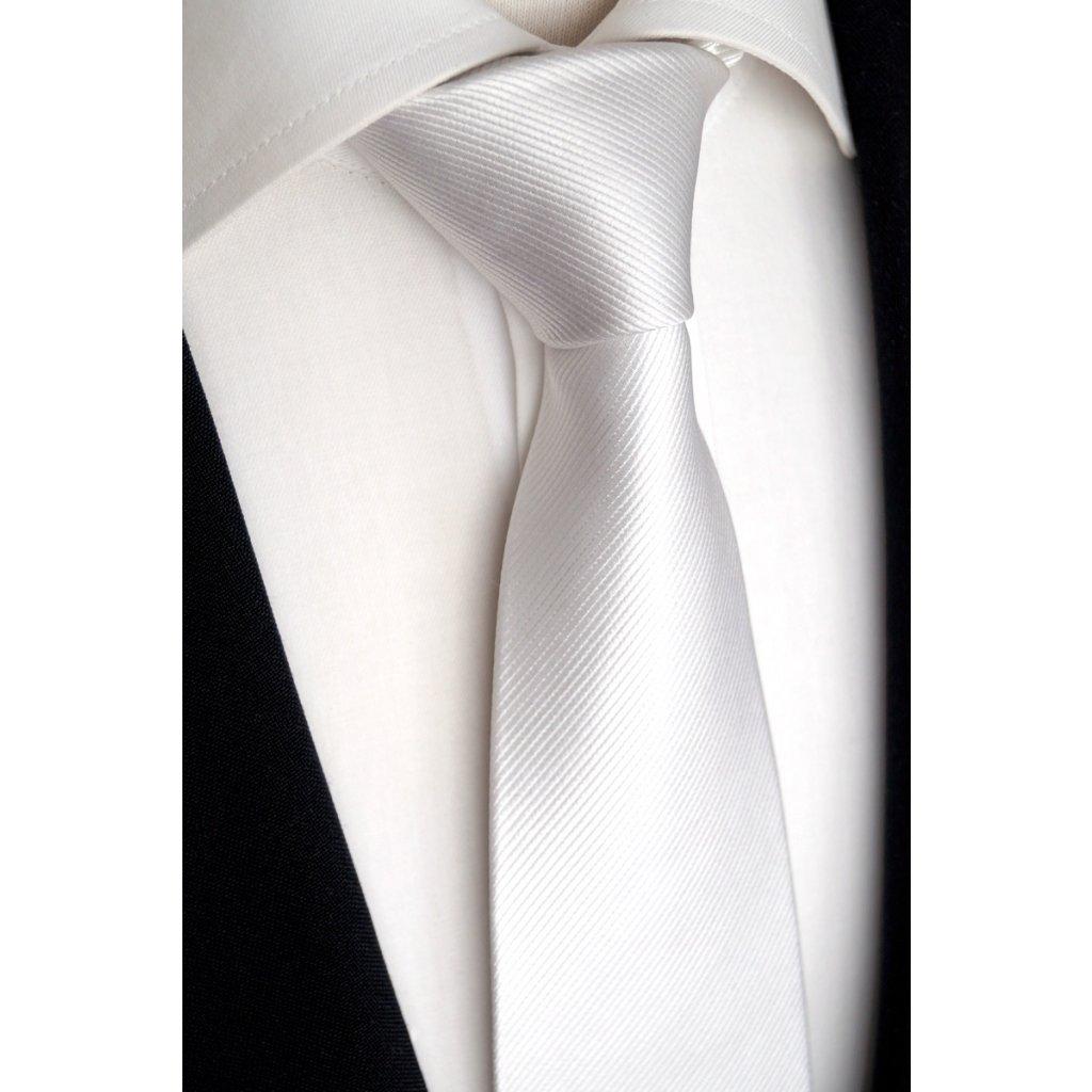 svatební kravata bílá