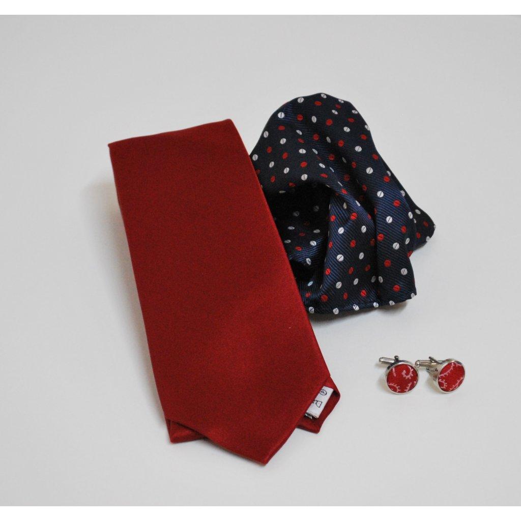 Červený set kravaty, kapesníčku a knoflíčků