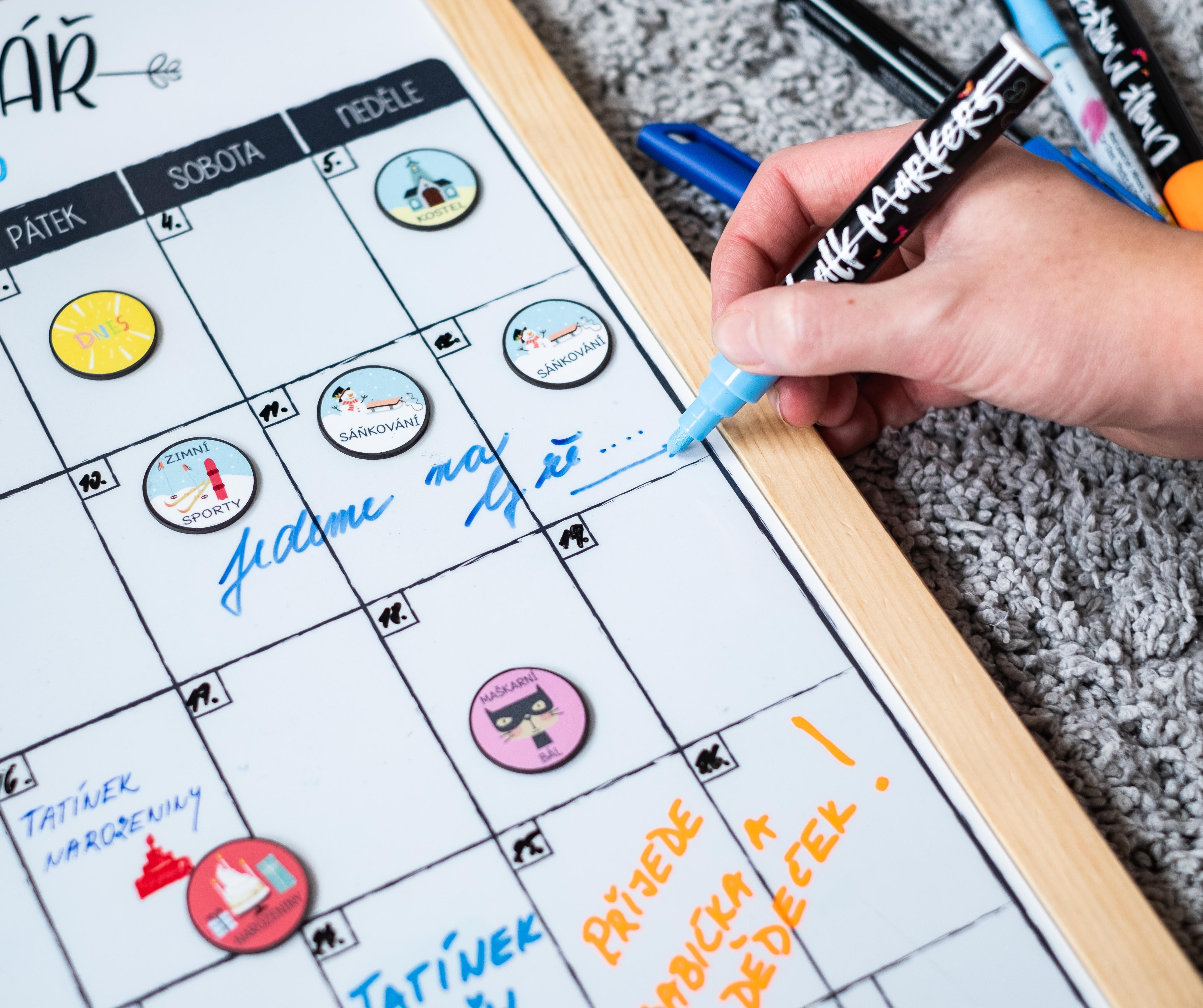Magnetický rodinný kalendář