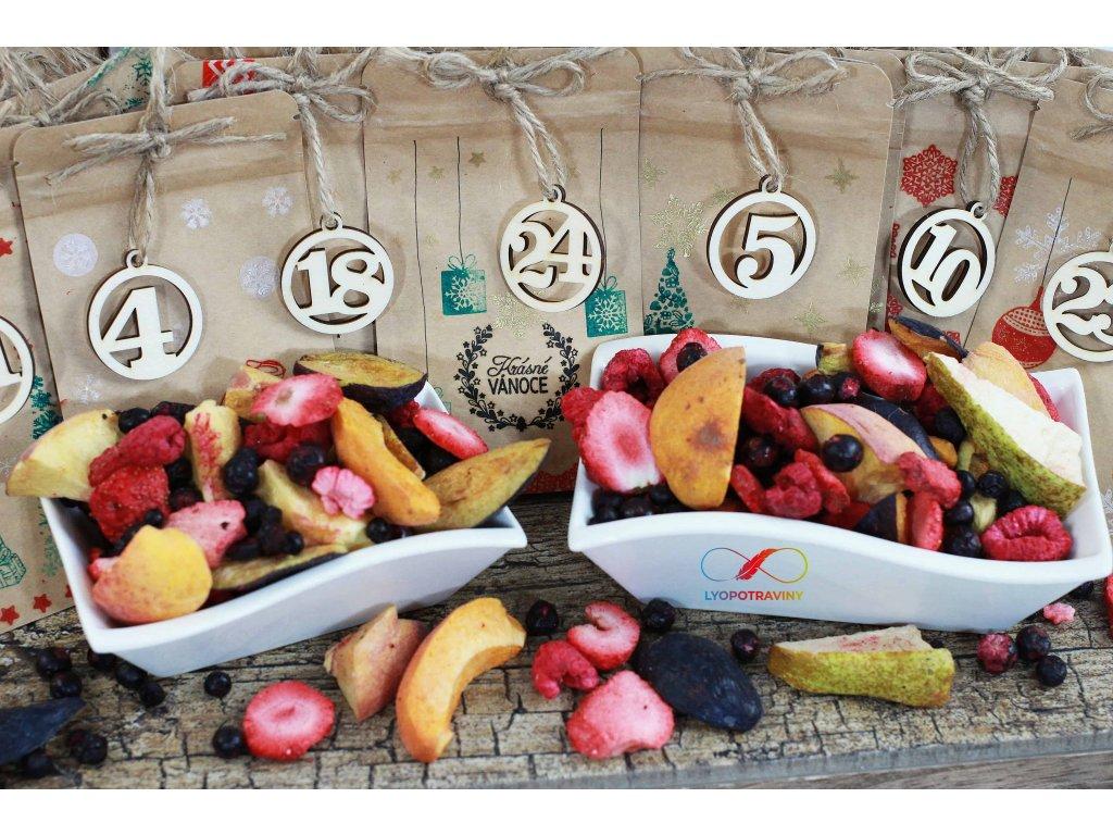 Adventní kalendář s lyofilizovaným ovocem