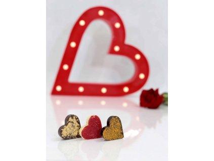 ČOKOLÁDOVÁ SRDÍČKA s LYO PRÁŠKEM - bílá čokoláda s lyomalinou, mléčná čokoláda s lyobroskví a hořká čokoláda s lyorakytníkem (Balení trojkombinace)