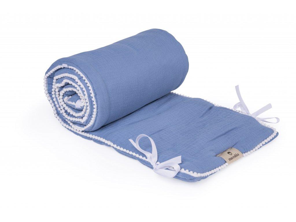 Mušelínový mantinel Maceshka Nature s ozdobným okrajem blue jean, pompony