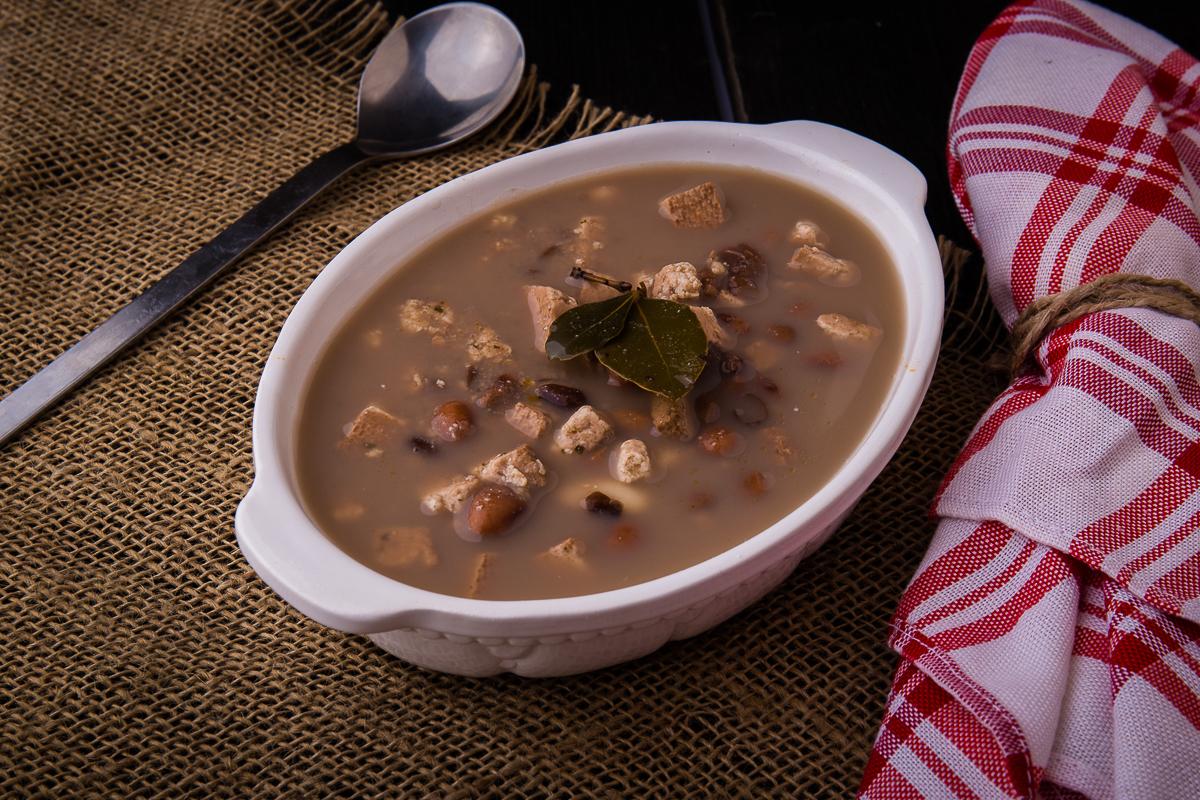 Fazolová polévka s uzeným tofu