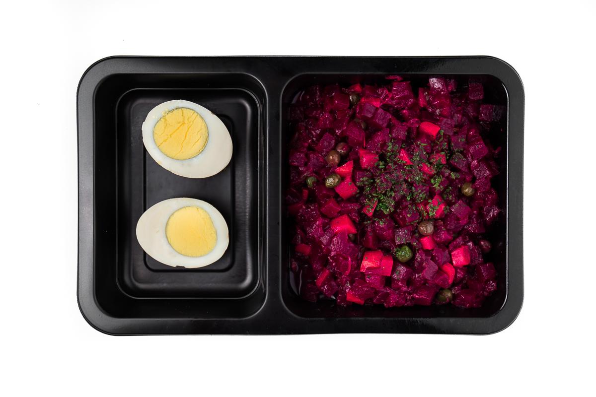Salát z červené řepy s vejcem