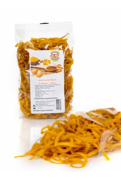 kurkumové těstoviny
