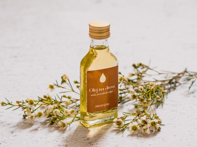 Olej na dřevo - směs přírodních olejů
