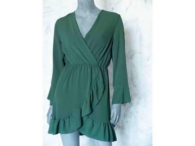 šaty s volánky