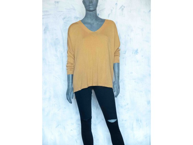 lehký oversize svetr