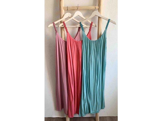 dlouhé šaty s pletenými ramínky