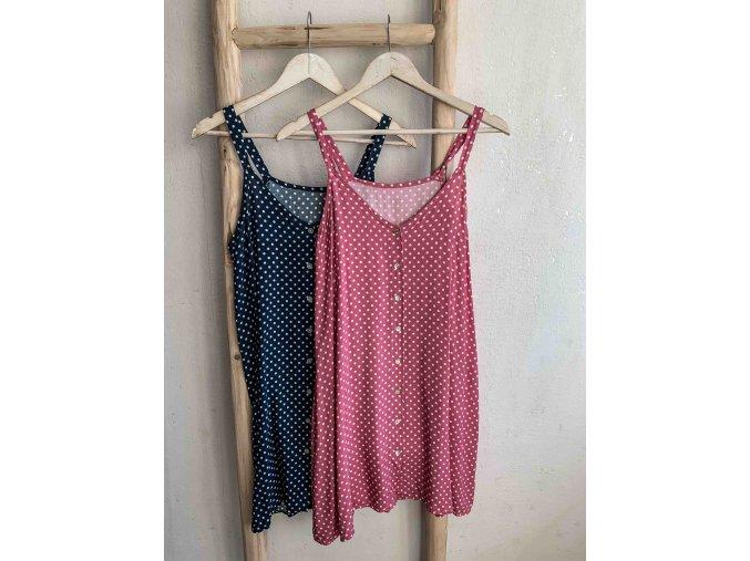 šaty s puntíky a knoflíky