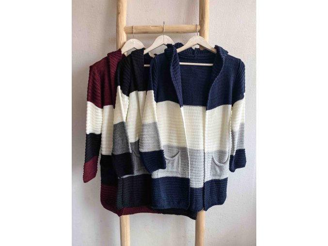 dlouhý pruhovaný svetr