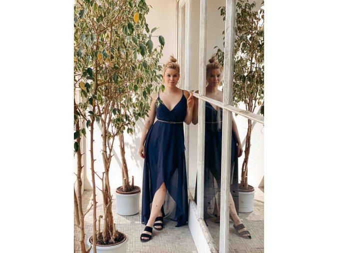 dlouhé asymetrické šaty