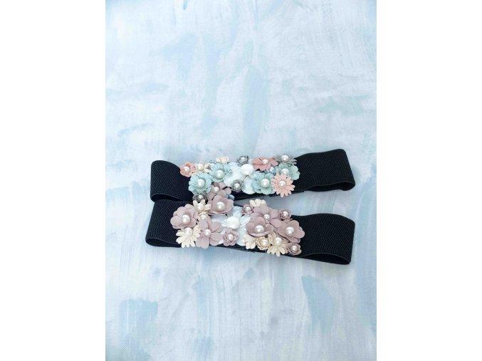 pásek s květy a perlami