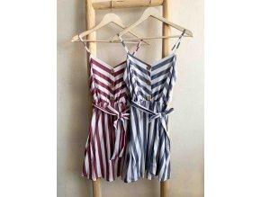 krátké šaty s pruhy
