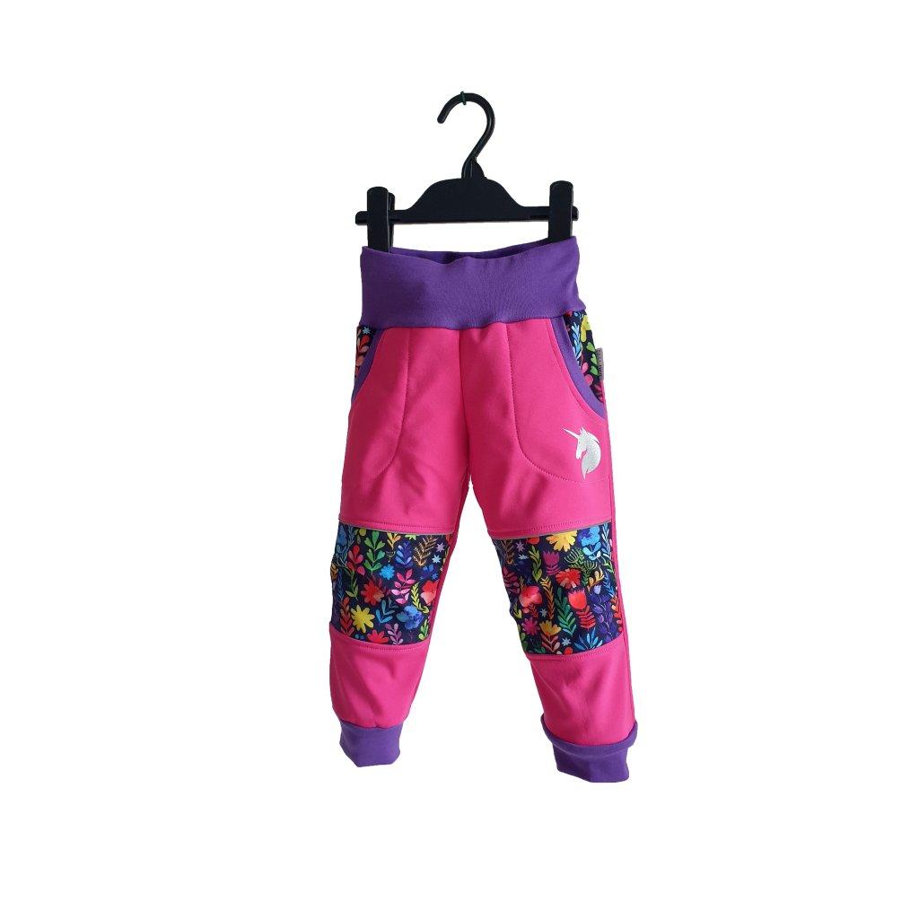 Softshellové kalhoty barevné kytky na růžové poredek