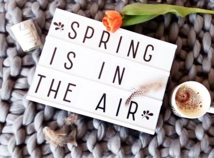 Jaro je tady.