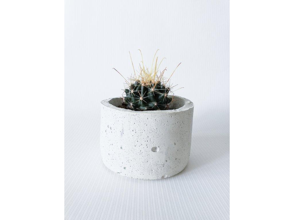 bílý květináč