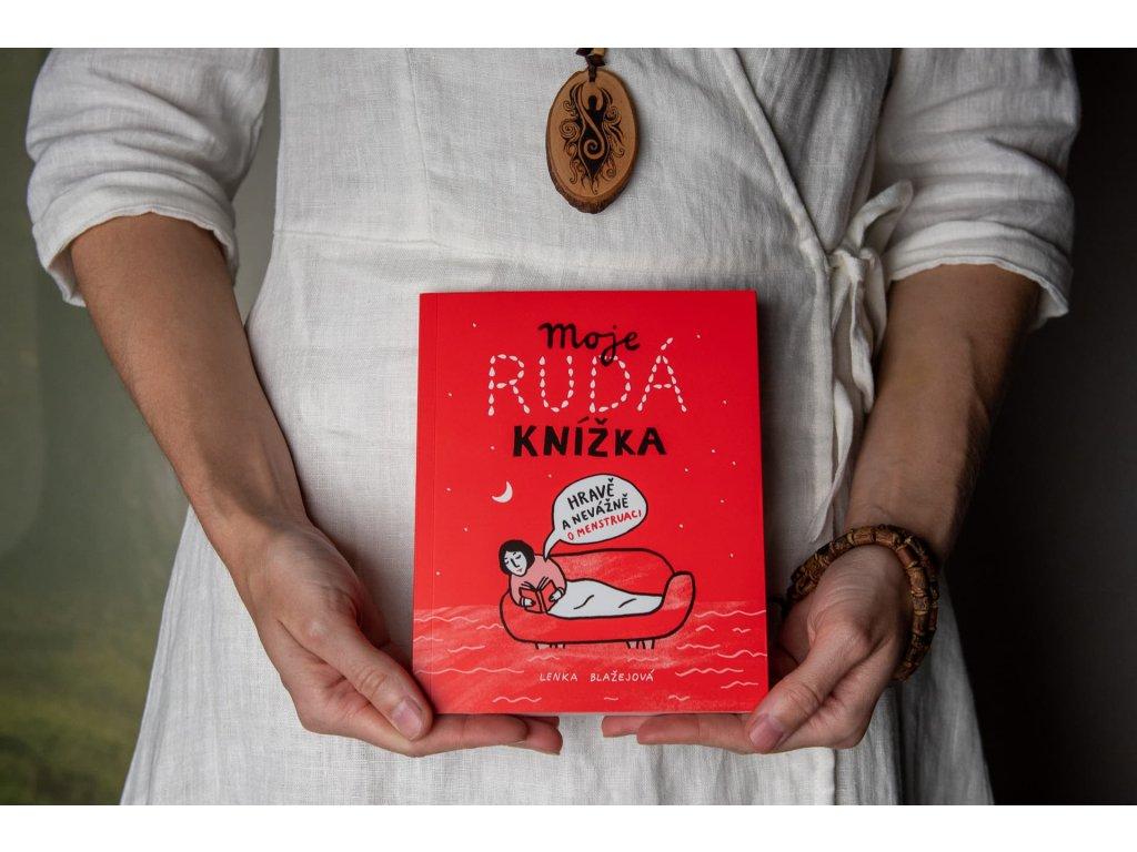 """Kniha """"Moje rudá knížka... hravě a nevážne o menstruaci"""" - Lenka Blažejová"""