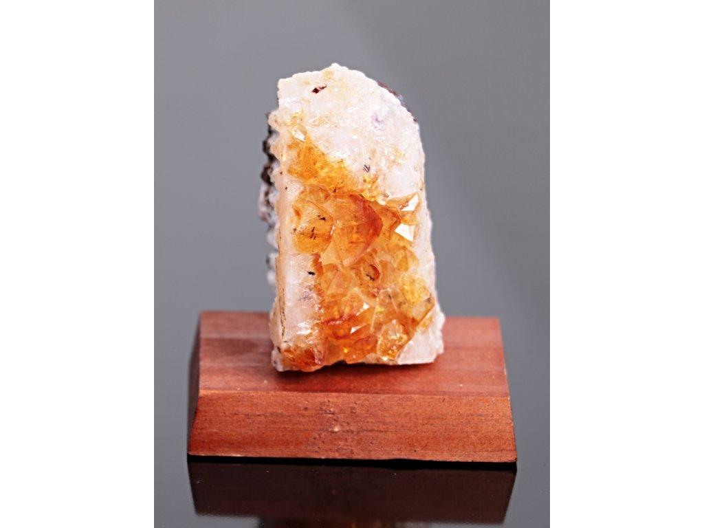 Citrín drúza na dřevěném podstavci - Top kvalita - 0.225 Kg #39