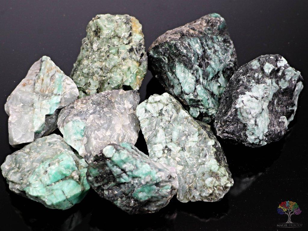 Smaragd JUMBO surový 6 - 12 cm - TOP kvalita 1 kg - Brazílie  + sleva 5% po registraci na většinu zboží + dárek k objednávce