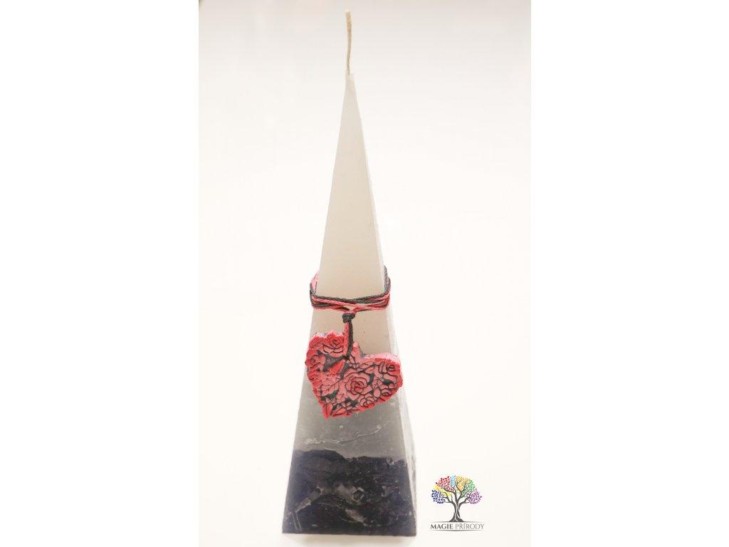 Svíčka pyramida 70x240 mm - Srdce #2