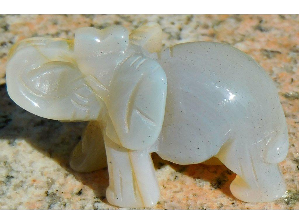 Slon z přírodního kamene - Achát 30x50 mm