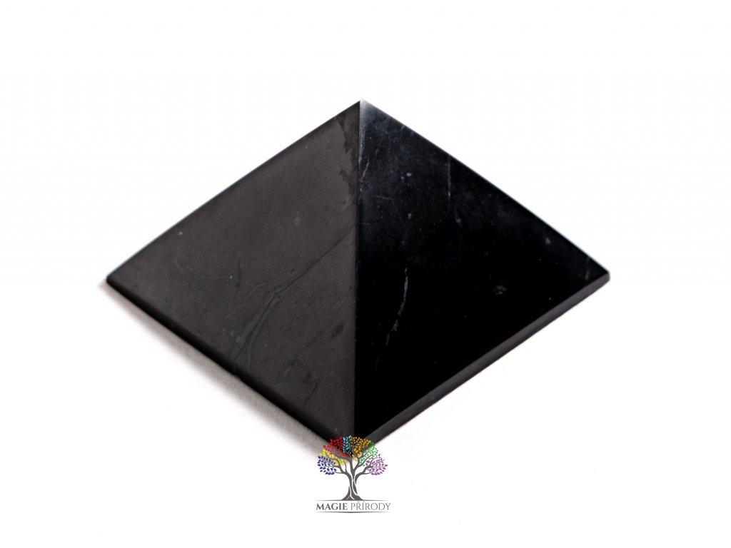 Šungit pyramida 3 x 3 cm - TOP kvalita - leštěná šungitová pyramida